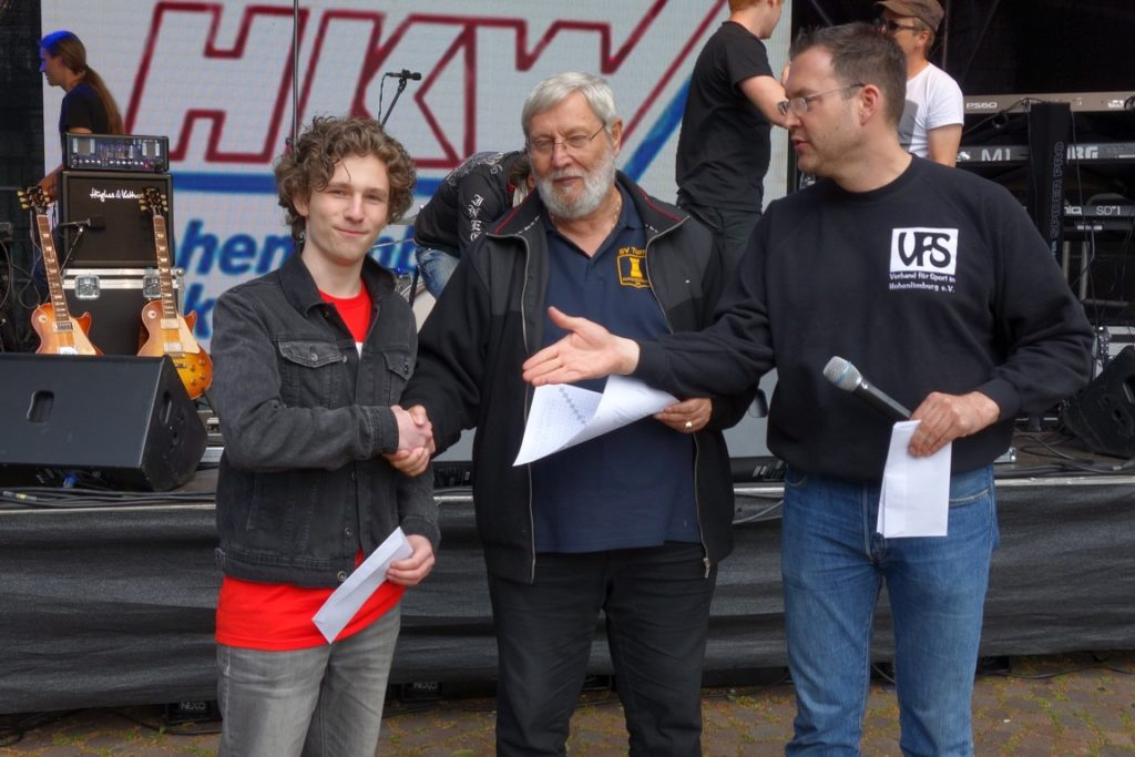 Alexander Ljachowski als zweitbester Jugendlicher des Stadtfest Blitzturniers 2016
