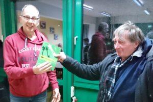 Buchpreisgewinner 2018 Jürgen Raue - Preisüberreichung durch Manfred Schaffert