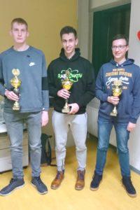 Siegerehrung Jugend-Pokalturnier, vlnr: Lennardt Albrandt (Silber), Felix Gieseler (Gold), Felix Schüler (Bronze)